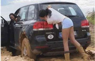 femei si masini